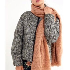 NWT Urban Outfitters Blanket Scarf In Sand
